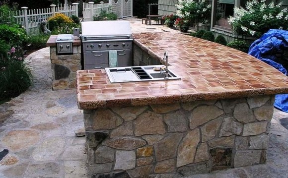 Outdoor natural stone tiles