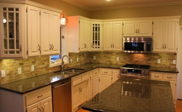 Layered stone tile backsplash