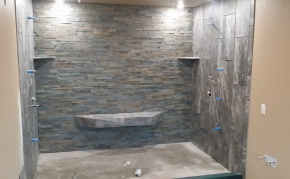 Stone wall tiles shower