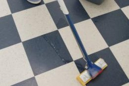 Vinegar cleans most kinds of floor coverings.